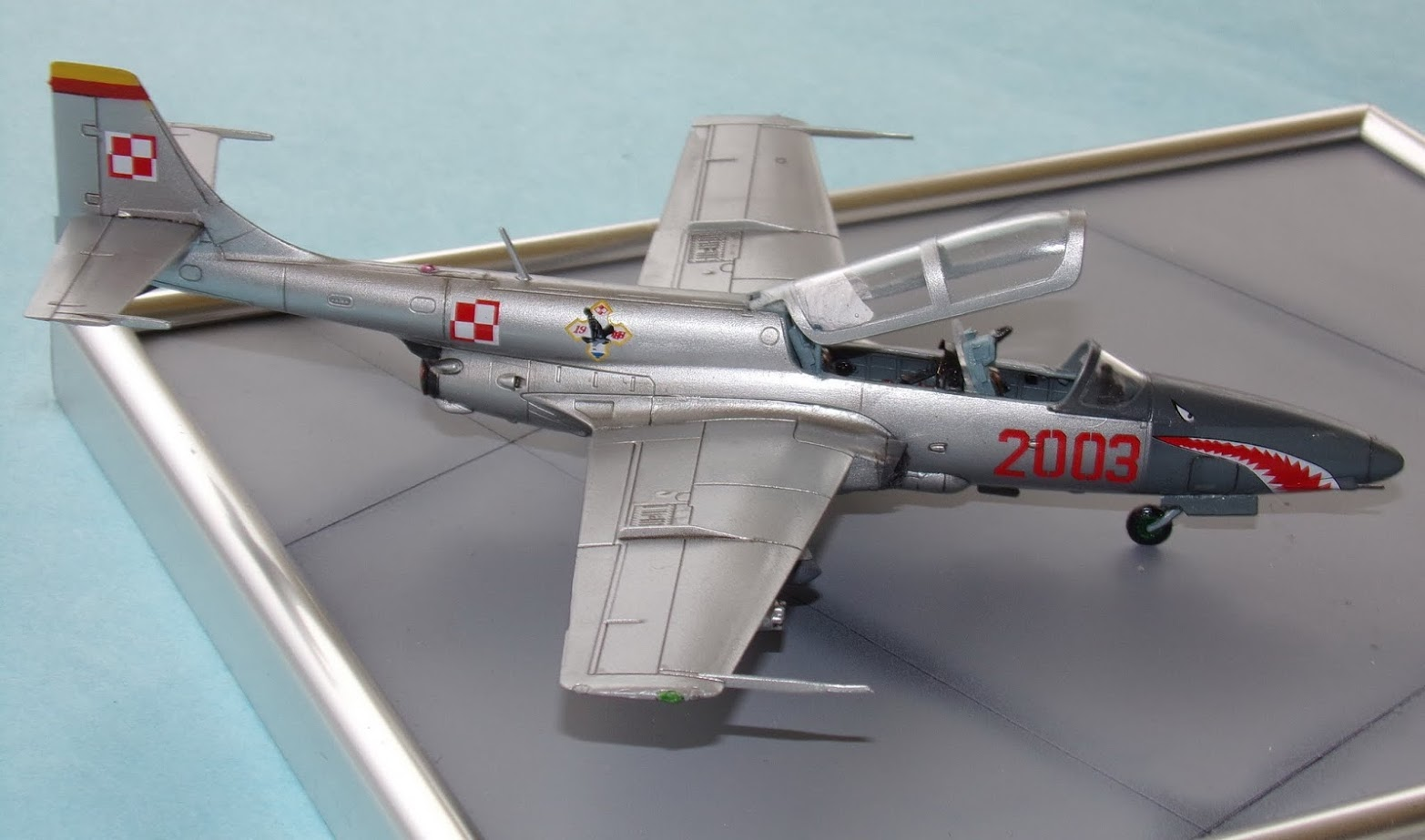 Two built 1/72 scale Iskra plastic kits
