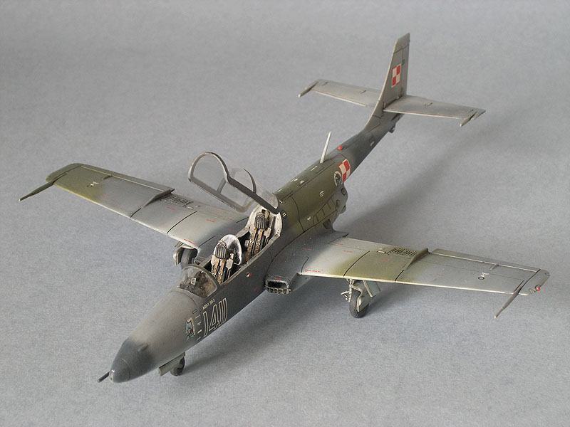 TS-11 Iskra 1/72, built from Expert set